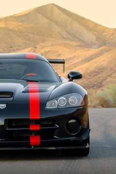 Viper ACR - the steering wheel has a racing stripe, too.