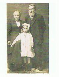 Elizabeth Gee (nee Rudd) Richard Gee with ? granddaughter