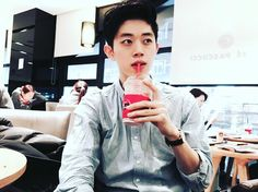 Consulta esta foto de Instagram de @bongyoung_park • 6,764 Me gusta Bongyoung Park, I Fancy You, 1million Dance Studio, Juicy Juice, Male Face, Asian Boys, Korean Drama, My Idol, Beautiful People