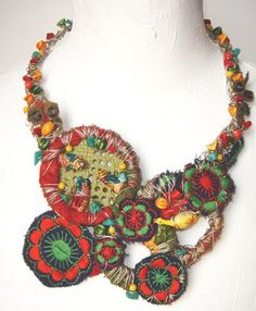 """""""Tota reciclados"""" (Marcela Muñiz & Valeria Hasse) , Necklace, pieces of embroidery and knitted material, found textiles, acrylic paint, wire, old straw bags, found pieces and beads, aluminium - - www.totareciclados.com.ar:"""