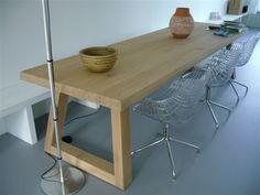 6. Moderne eiken kloostertafel 200 cm € 1.145,- design tafel.