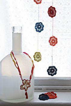 Hekel blommetjies | SARIE WOON |   Crochet flowers for decoration  #crochet #diy #crafts