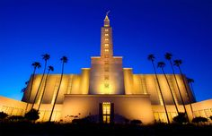 Awesome night picture of the Los Angeles LDS Temple