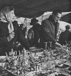 Twenty-three Evocative Photographs of London in 1953 - Flashbak London Pictures, London Photos, Vintage London, Old London, Candid Photography, Street Photography, London History, Old Street, Illustrations And Posters