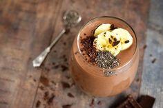 La alimentación y el deporte van mano a mano. Este batido proteico de chocolate es perfecto para tomar antes o después de entrenar.