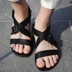 26 Excellent Mens Sandals Back Strap Mens Sandals Dr Marten Best Sandals For Men, Gladiator Sandals For Men, Leather Sandals, Men Sandals, Beach Sandals, Fashion Sandals, Fashion Boots, Designer Sandals, Mens Slippers