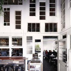 Alfredos restaurant, Sydney Derlot