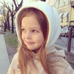 Anna Pavaga young Russian model