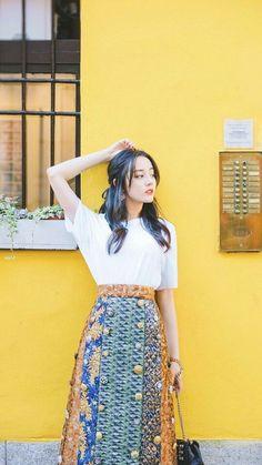 Dilraba was the cutest kid - Random - OneHallyu Asian Fashion, Girl Fashion, Fashion Outfits, Cute Celebrities, Celebs, Asian Woman, Asian Girl, Ideal Girl, Chinese Actress
