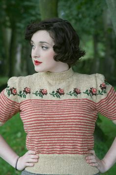 """'Trimmed with Roses' Twinset Jumper pattern by Susan Crawford """"trimmed with roses"""" Twinset Cardigan by Susan Crawford. Published in A Stitch in Time: Vintage Knitting Patterns, vol. Retro Mode, Vintage Mode, Motif Vintage, Vintage Patterns, Jumper Patterns, Knitting Patterns, Knitting Tutorials, Loom Knitting, Free Knitting"""