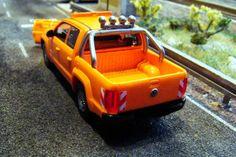 Mantenimiento de carreteras. VW Amarok. Escala H0.