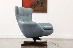 Vintage Swivel Egg Style Chair by VintageSupplyLA on Etsy https://www.etsy.com/listing/211614291/vintage-swivel-egg-style-chair
