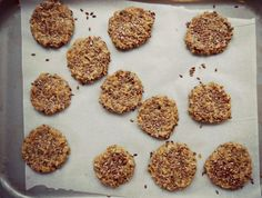 This Breakfast Cookies are also gluten free cookies, sugar free cookies and a perfect diabetic recipes Banting Recipes, Gf Recipes, Diabetic Recipes, Cookie Recipes, Sugar Free Cookies, Gluten Free Cookies, Clean Eating Challenge, Breakfast Cookies, Protein Snacks