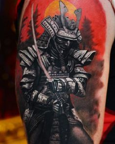 Japanese, Afro and Geisha Samurai Tattoo Designs, Meanings and Ideas. Awesome traditional Samurai tattoos for your sleeve, chest or other body parts. Sun Tattoo Designs, Japanese Tattoo Designs, Japanese Tattoo Art, Japanese Sleeve Tattoos, Tattoo Designs And Meanings, Samurai Helm, Ronin Samurai, Samurai Art, Samurai Tattoo Sleeve