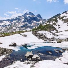 What a wonderful place to escape the heat wave: fresh air, half frozen little lakes and lots of flowers blooming in a valley below Switzerland, Mount Everest, Hiking, Mountains, Nature, Travel, Instagram, Blue, Walks