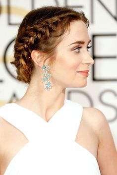 The best ever hairstyles on the Golden Globes red carpet Emily Blunt at the Golden Globes in T Grecian Hairstyles, Wedding Hairstyles For Medium Hair, French Braid Hairstyles, Summer Hairstyles, Red Carpet Hairstyles, Greek Hairstyles, Reddish Brown Hair Color, Brown Hair Colors, Emily Blunt