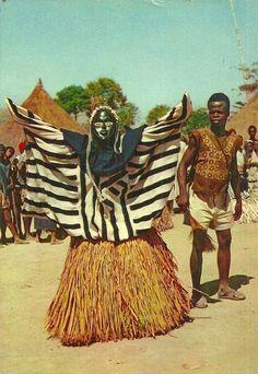 """the-two-germanys: """" Masque cérémoniel de N'zo. Postcard, République de Guinée. """""""