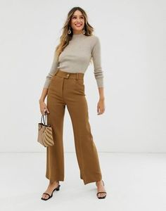 Buy & Other Stories wide leg trousers in camel tan at ASOS. With free delivery and return options (Ts&Cs apply), online shopping has never been so easy. Get the latest trends with ASOS now. Khaki Jeans, Jeans Denim, Wide Leg Cropped Pants, Wide Leg Trousers, Asos, Wide Pants Outfit, Safari, Pantalon Large, Beige Top