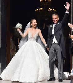 As the heiress to the crystal company, Victoria has the best perks, like having access to crystals to embellish a custom couture wedding gown by Michael Cinco. Michael Cinco really know how to bring happiness with this fairy tale Swarovski Crystals, Swarovski Wedding Dress, Crystal Wedding, Wedding Pics, Dream Wedding, Church Wedding, 2017 Wedding, Wedding Ideas, Stunning Wedding Dresses