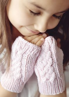 Cable Knit Fingerless Gloves Pattern Pattern                              …