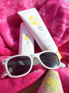 The best sunscreen lotion is one that protects your skin from the danger of UVA and UVB rays and from dangerous hormone disrupting chemical. Summer Skin Care Tips, Best Sunscreens, Natural Sunscreen, Cream For Dry Skin, Skin Rash, Swimmers, Sun Protection, Lotion