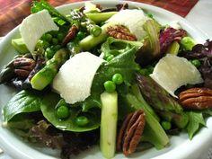 arugula raw salad | SUNDAY SALAD SAMPLERS WEEK #3 - RAW ASPARAGUS, PEA, AND ARUGULA SALAD ...