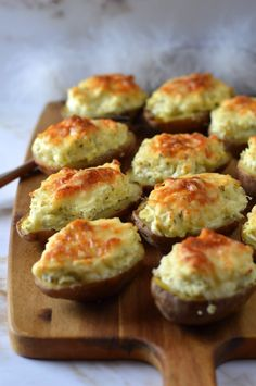 Healthy Recipes, Healthy Food, Muffin, Breakfast, Diet, Healthy Foods, Morning Coffee, Healthy Eating Recipes, Muffins