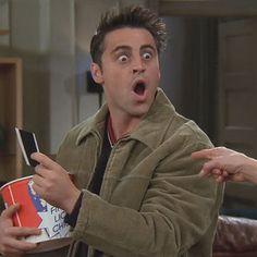 "Someone Figured Out How Much Money Joey Owed Chandler On ""Friends"" Friends Show, Serie Friends, Friends Moments, I Love My Friends, Friends Forever, Friends Cast, Joey Tribbiani, Matt Leblanc, Best Tv Shows"