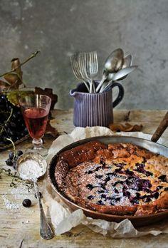 Pratos e Travessas: Flaugnarde de uvas e avelã | Black grapes and hazelnut flaugnarde | Food, photography and stories