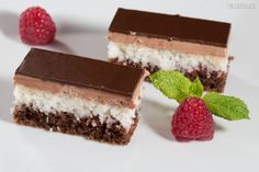 Myslíme si, že by sa vám mohli páčiť tieto piny - sbel Czech Recipes, Ethnic Recipes, Cupcake Cakes, Cupcakes, Just Desserts, Pavlova, Nutella, Baked Goods, Tiramisu