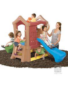 Lleva el parque a tu jardín con este conjunto de dos resbaladillas