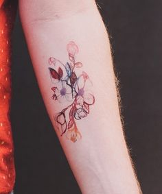 14 Delicate Flower Tattoos That Aren't Naff