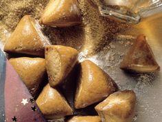 Lebkuchen mit Marzipanfüllung (Biberle) | Zeit: 30 Min. | http://eatsmarter.de/rezepte/lebkuchen-mit-marzipanfuellung-biberle