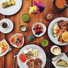 "Knock knock. ""Room service!"" Thank you @lily__rose for sharing your @FSPuntaMita breakfast with us. Tag your Four Seasons breakfast with #wakeupwithFS and we'll reblog our favourite again next week. # Hotels-live.com via https://www.instagram.com/p/B"
