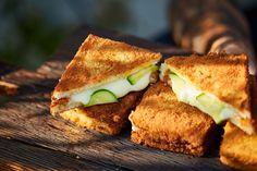 Nincs lehetetlen: brutál jó rántott szendvics Sandwiches, Food And Drink, Mozzarella, Pizza, Recipes, Ripped Recipes, Paninis, Cooking Recipes