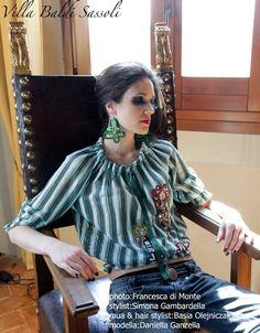 Maglia Molly in tessuto a righe con tulle,illustrata con bambola;bottoni vintage.