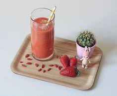 Mmmmm avec le retour du soleil et de la chaleur, un bon smoothie frais et vitaminé n'est pas de refus, non ?!? #fruit #recette