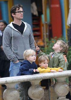 'White Collar's' Matt Bomer has three children, somehow this only makes him hotter