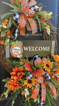 Autumn Wreaths For Front Door, Fall Wreaths, Door Wreaths, Welcome Fall, Unique Doors, Thanksgiving 2020, Holiday Tables, Fall Decor, Front Porches