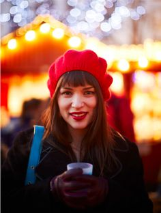 Rachel Khoo: Culinary and LIFE Artiste. Love the hat and the way the hair is styled. And kudos for the blue purse! Chef Rachel Khoo, My Little Paris, Use E Abuse, Blue Purse, Cool Style, My Style, Stylish Girl, Pretty Woman, Style Icons