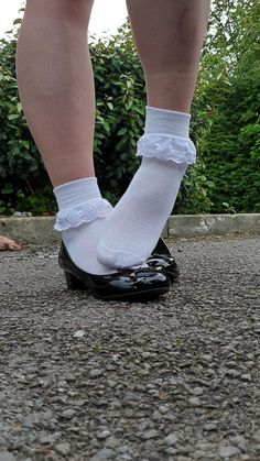 Frilly Socks, Lace Socks, Ankle Socks, Little Girl Leggings, Girls Leggings, Sock Shoes, Cute Shoes, Japanese Socks, Sexy Socks