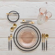 Black and gold and blush all over With our Halo Glass Chargers and Dinnerware in Black + Vintage Pink Swirl Collection Plates + Goa Flatware in 24k Gold/Black + Vintage Pink Swirl Goblets + Vintage Champagne Coupe + 14k Gold Salt Cellars + Tiny Gold Spoons #cdpdesignpresentation #