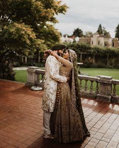 Sikh Wedding Dress, Indian Wedding Poses, Desi Wedding, Indian Wedding Outfits, Indian Weddings, Party Wedding, Punjabi Wedding Couple, Punjabi Couple, Indian Bridal
