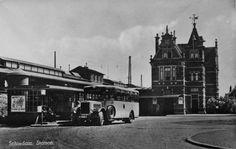 Stadsbus voor het oude station