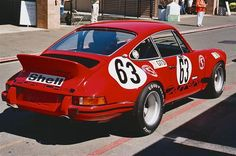 The Porsche Carrera GT earned some notoriety several years ago when it figured in the tragic death of actor Paul Walker. Porsche 911 Rsr, Porsche Carrera Gt, Gt Cars, Race Cars, Bobber, Harley Davidson, Porsche Sports Car, Jaguar Xk, Karting