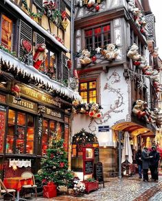 A real-life Christmas Village Strasbourg, France transforms into a real life Christmas village. I have been to Strasbourg before, but never during Christmas. I now have to put it… The post A real-life Christmas Village appeared first on Belle Ouellette.