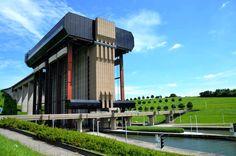 Visiter les sites UNESCO du Hainaut, le long du Canal du Centre