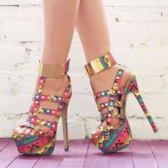 Sexy Heels ♥ I bet you would love to wear these - Enjoy with love from… Cute Heels, Sexy Heels, Stiletto Heels, Stilettos, Hot Shoes, Shoes Heels, Heeled Boots, Shoe Boots, Talons Sexy