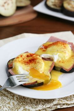 Low Carb Eggs Benedict Recipe | All Day I Dream About Food Clean Eating Breakfast, Low Carb Breakfast, Breakfast Time, Breakfast Ideas, Eggplant Recipes, Keto Eggplant Recipe, Canadian Bacon, Gluten Free Recipes For Breakfast, Gluten Free Breakfasts