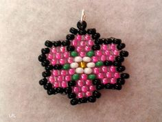 BEADS and GEMS by LPL : Charms  - Beaded flowers charm for earrings or pendant - brick stitch - 9/o seed beads.
